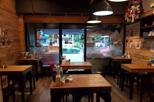 เซ้งด่วน !! ร้านอาหาร ร้านนั่งชิล ตกแต่งพร้อม @ทาวน์อินทาวน์ ตรงข้าม รพ.สัตว์ศรีวรา