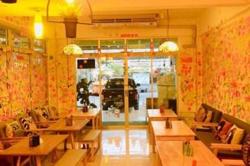 เซ้ง!! ร้านเครปเย็น-โทสต์-ไอศกรีม-เครื่องดื่ม @ซอยรังสิตภิรมย์ ติดมหาวิทยาลัยกรุงเทพ