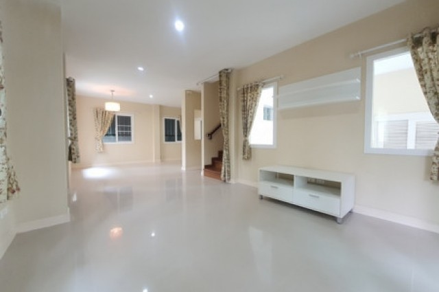 ขายบ้านเดี่ยว ดิเออบาน่า1 คุ้มสุด131ตรม. 3น3น ใกล้รร.มงฟอร์ต,วารี เพียง4น. แยกดอนจั๋น เชียงใหม่ ติดต่อคุณหมิว 0986168829