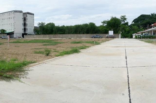 แบ่งขายที่ดินใจกลางเมืองนครปฐม ซอยราชวิถี13 9 แปลง
