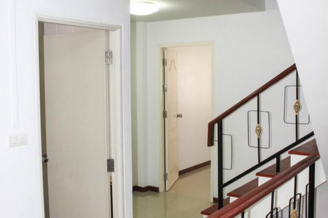 ขายบ้านใหม่ ทาวน์โฮม 3 ชั้น บ้านใหม่ 5 ห้องนอน 3 ห้องน้ำ เมือง สมุทรปราการ