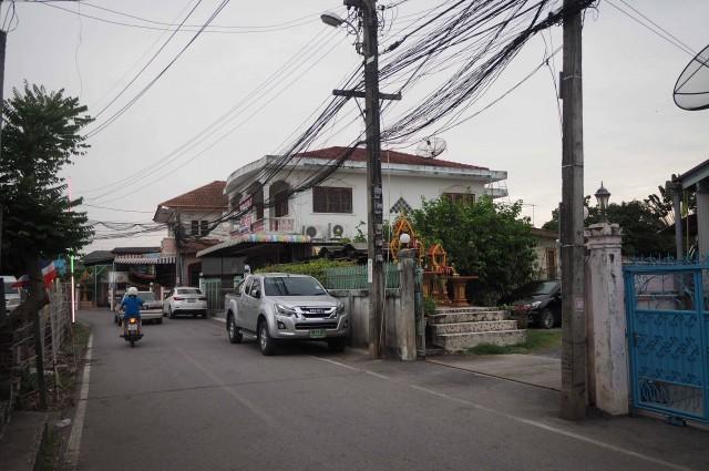 ขายบ้านเดี่ยว พร้อมกิจการ 330 ตารางวา ถนนแจ้งวัฒนะ ซอยวัดอินทาราม ถนนชัยพฤกษ์