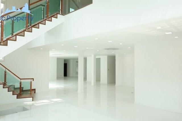 ขายบ้านเดี่ยว (คฤหาสน์) แกรนด์ คริสตัล 5 ห้องนอน 6 ห้องน้ำ พื้นที่สอย 840 ตารางเมตร. ที่ดิน 210 ตารางวา.