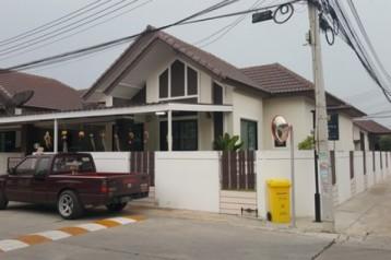 ขายบ้านแฝดชั้นเดียวหลังมุมหมู่บ้านแสนมณี6ใกล้นิคมอมตะนคร ใกล้ตลาดวัดศรี ถ.บ้านเก่า-พานทอง ชลบุรี