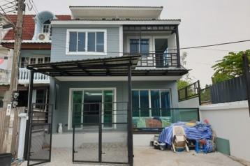 ขายบ้านวิวแม่น้ำ เซ็นทรัลปิ่นเกล้า MRT บางยี่ขัน บรมราชชนนี ซ. 11 จรัญ ซ. 45 บุศราคัมริมน้ำ แปลงริมน้ำ รีโนเวตใหม่ พร้อมเข้าอยู่